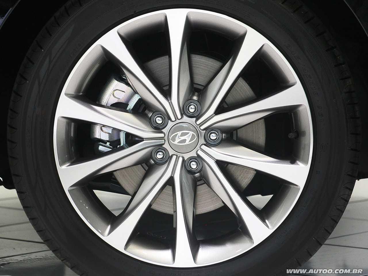 HyundaiAzera 2015 - rodas