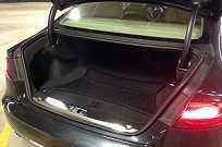 O porta-malas comporta 540 litros