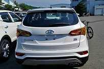 A traseira do Hyundai Santa Fe teve poucas mudanças