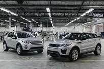 Evoque (à direita) tomou o lugar do Discovery Sport (ao lado) e será o primeiro SUV nacional da marca