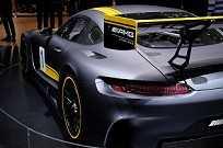 O AMG GT3 é baseado no AMG GT, porém mais preparado para as pistas