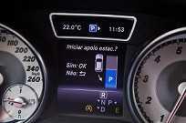 O GLA 250 traz de fábrica itens como o Active Parking Assist