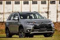 Além das mudanças no design, o destaque é a motorização diesel 2.2 de 165 cv