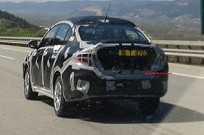 Nova geração do Fiat Linea em testes na Turquia