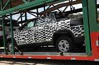 Fiat Toro é flagrada durante transporte em um caminhão-cegonha