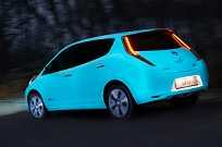 Nissan torna-se a primeira fabricante a aplicar pintura que brilha em um carro