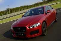 Jaguar XE: sedã inglês encara de igual para igual os rivais alemães