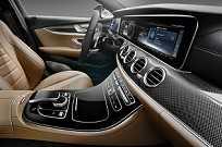 Interior do Mercedes-Benz Classe E 2017