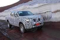 Nova Nissan Frontier camuflada em testes na Argentina