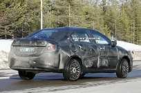Sucessor do Fiat Linea rodando em testes