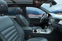 Interior da versão V8 R-Line