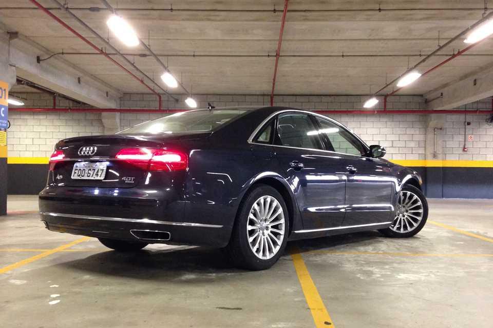 O modelo tem preço inicial de R$ 558.990. Vai encarar?