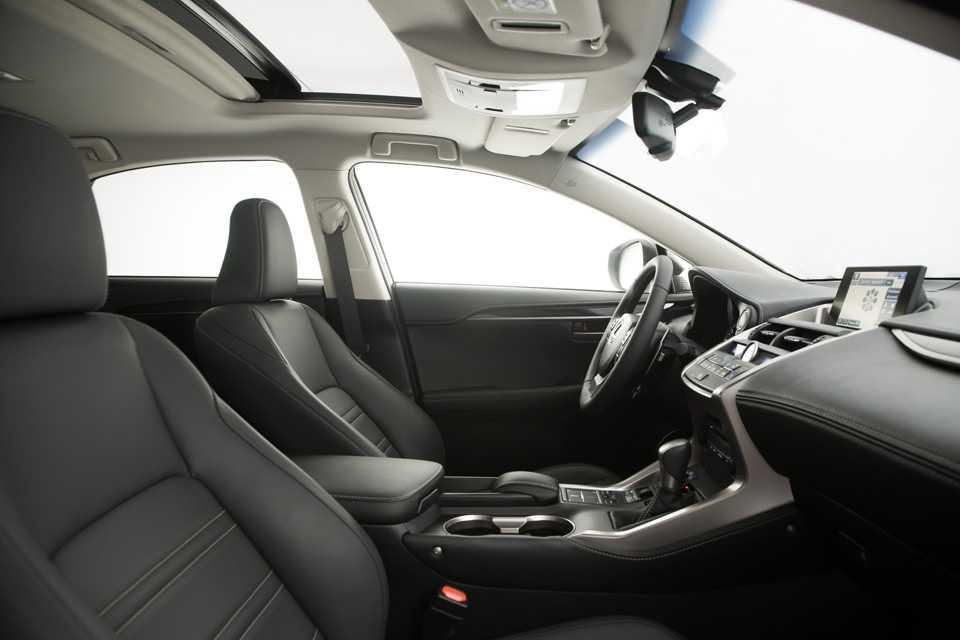 Acabamento premium da cabine do Lexus NX 200t