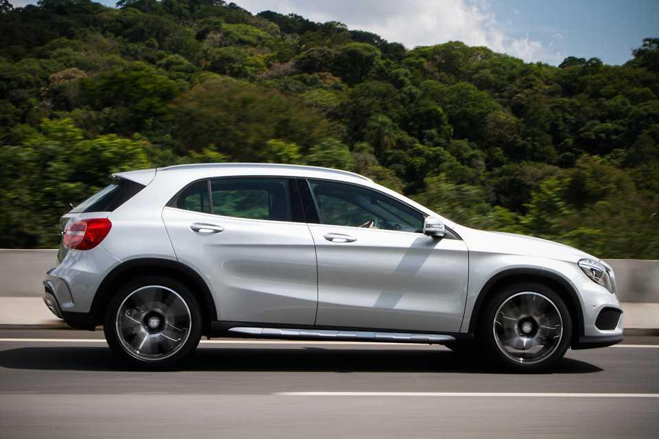 O conjunto leva o SUV da imobilidade a 100 km/h em 7,2 segundos e permite chegar à velocidade máxima de 235 km/h (limitada eletronicamente)