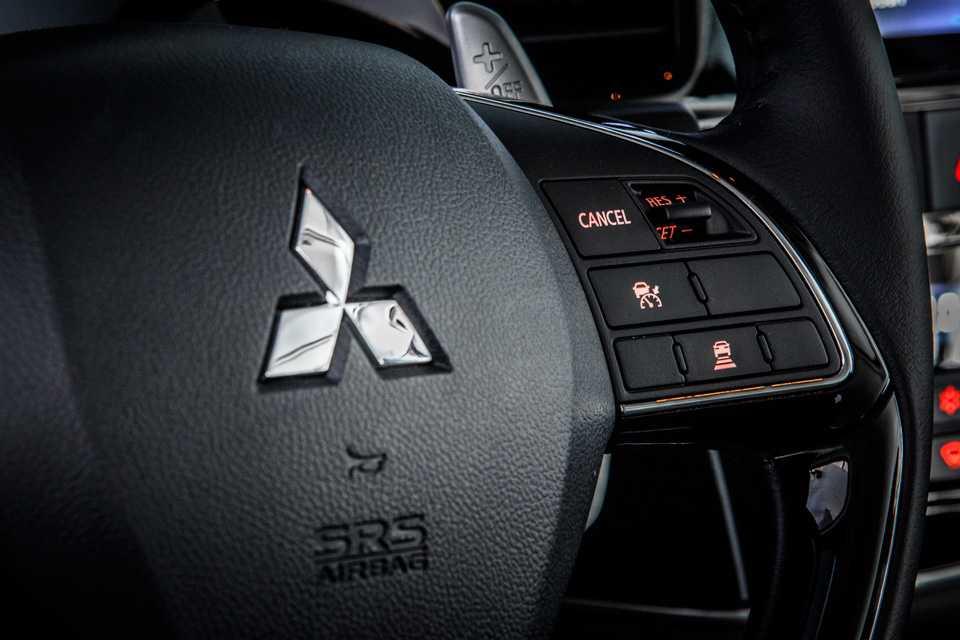O crossover tem muita tecnologia embarcada, merecem destaque o piloto automático adaptativo (ACC) e o dispositivo de redução de risco de colisão através do radar (FCM)