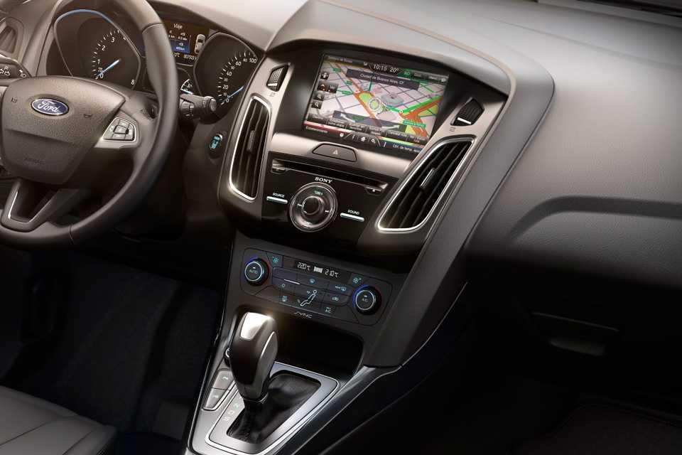 A versão Titanium vem com o SYNC MyFord Touch, com tela de 8 polegadas, sistema de navegação, comandos de voz, entre outros.