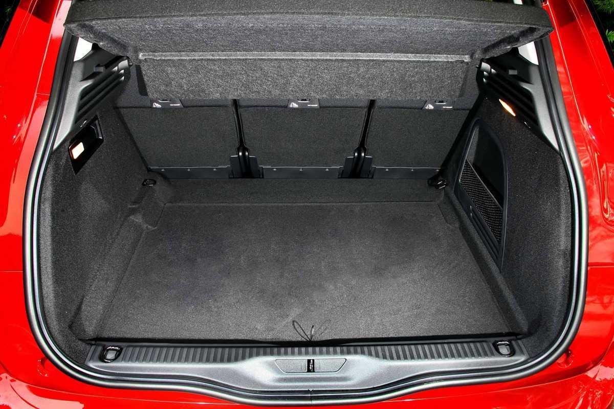 Porta-malas leva 537 litros na configuração normal