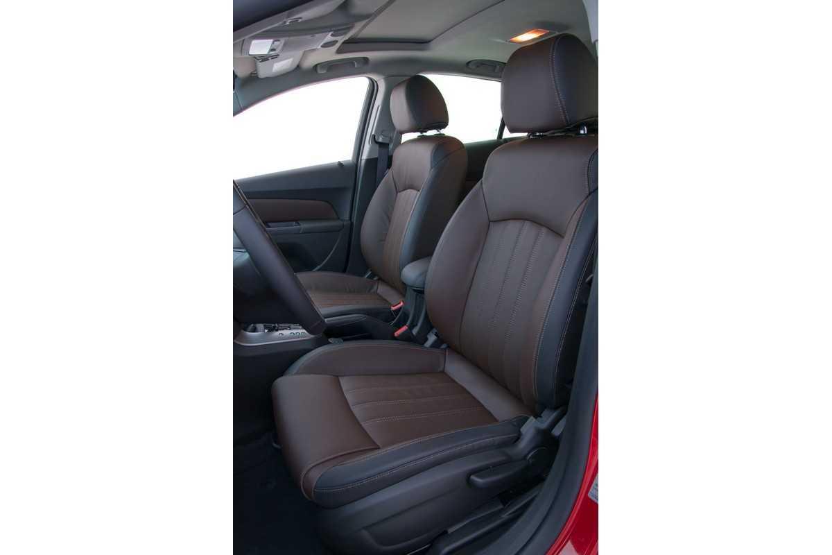 Chevrolet Cruze 2016 com sistema OnStar no Brasil