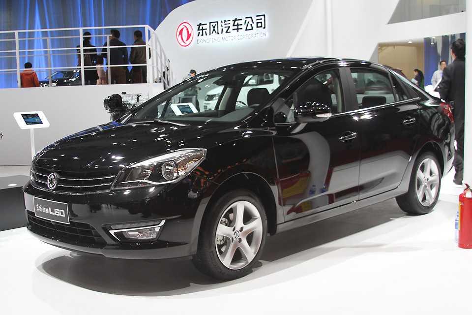 Os chineses que desenharam o L80 devem ser simpatizantes do Renault Fluence...