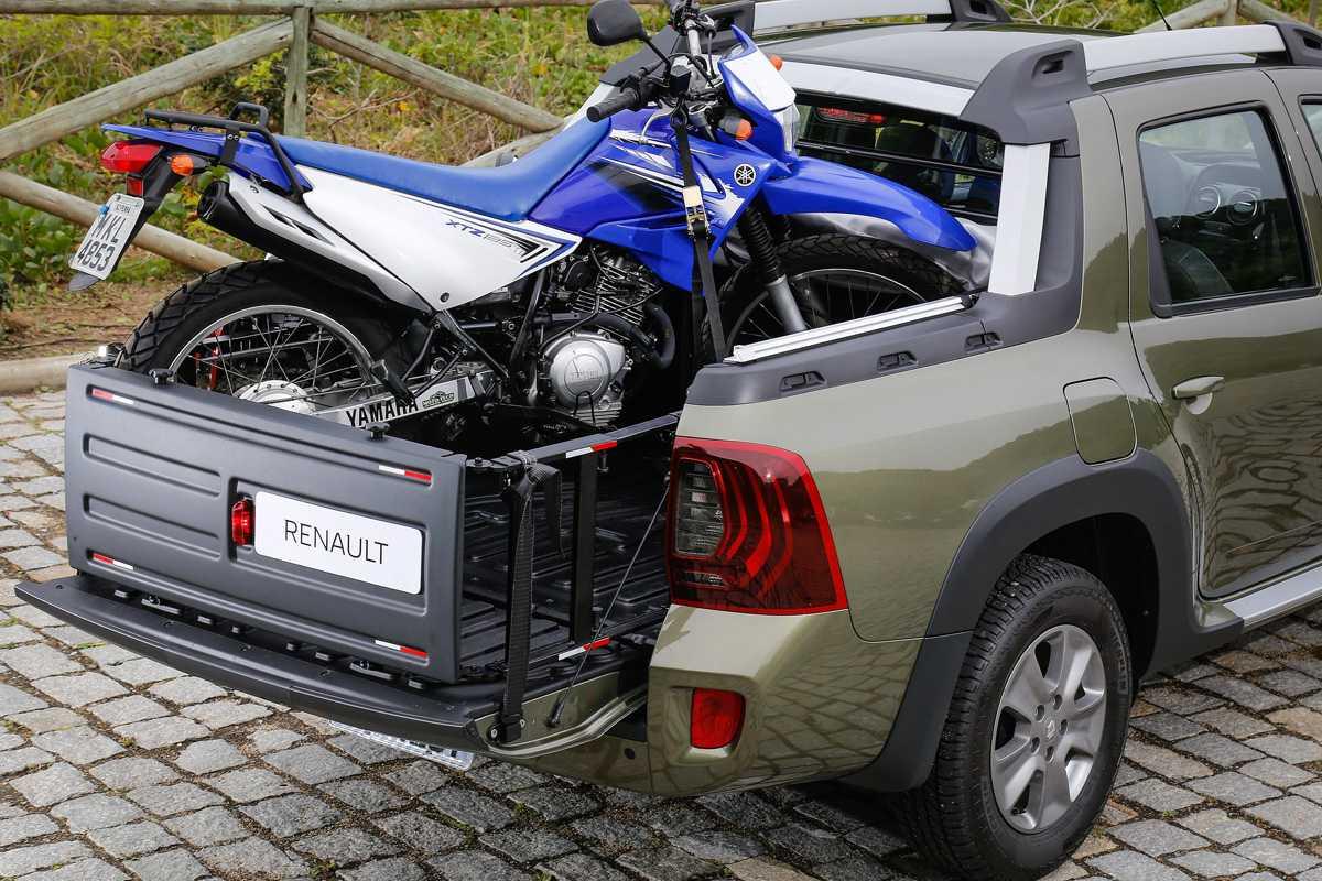 Renault oferece extensor de caçamba para permitir transporte de motos