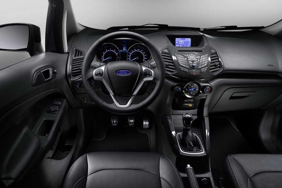Ford EcoSport 2015 sem o estepe externo na Europa