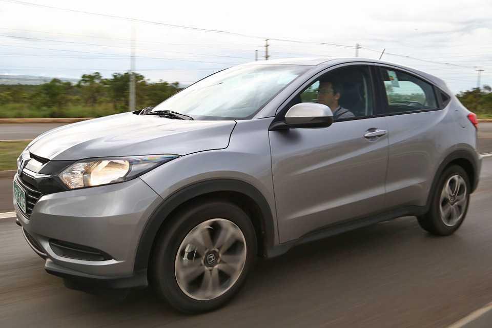 HR-V LX automático: sem rack e luzes de neblina
