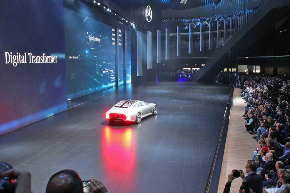 Conceito IAA da Mercedes no Salão de Frankfurt