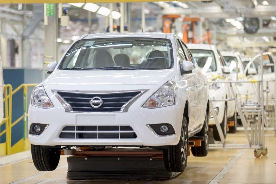 Nissan New Versa na linha de produção em Resende (RJ)