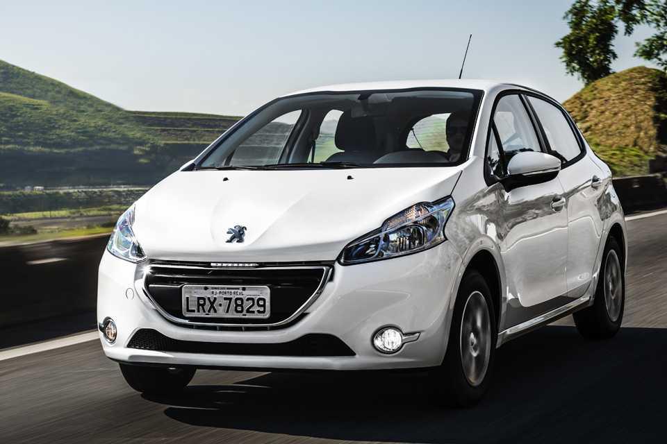 Peugeot 208 2016 está mais equipado e com mesmo preço