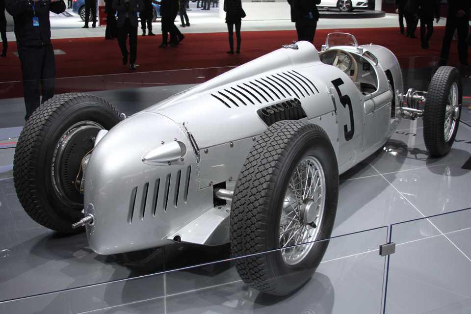 O antigo Auto Union Type C fo destaque no estande da Audii
