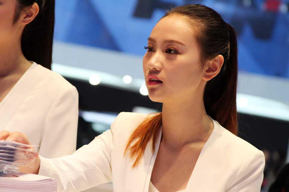 Modelos foram permitidas no Salão de Xangai 2015, desde que vestidas adequadamente