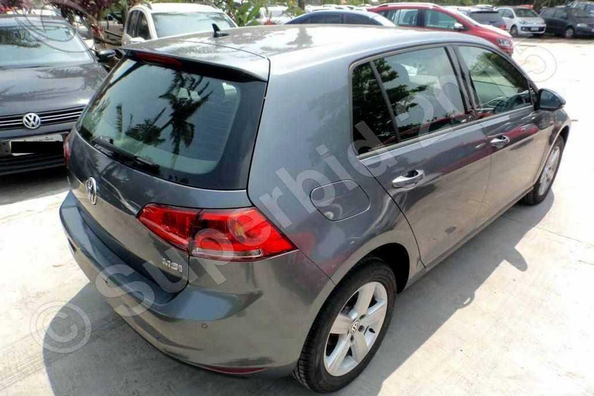 Volkswagen Golf 1.6 MSI para leilão