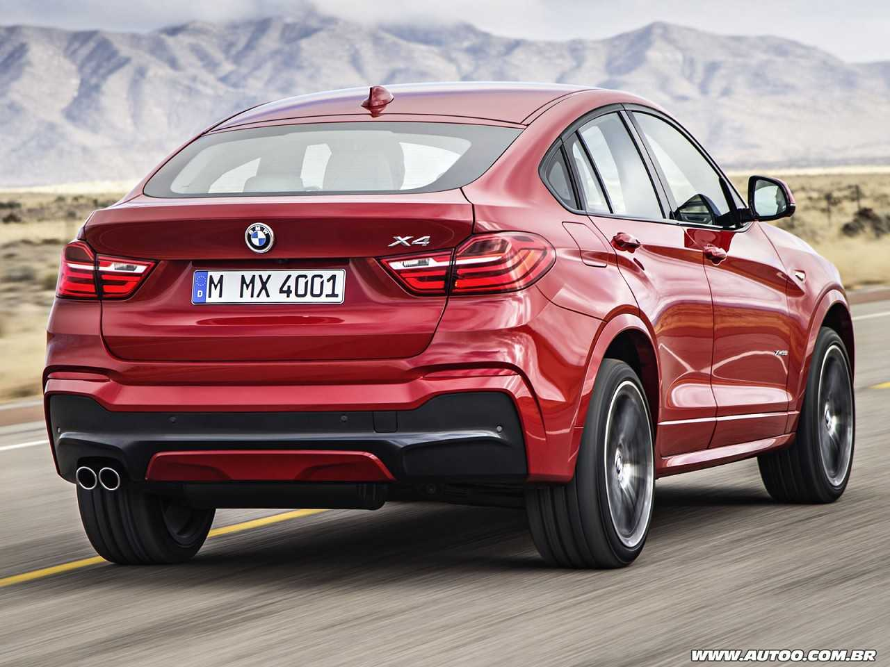 BMWX4 2014 - ângulo traseiro