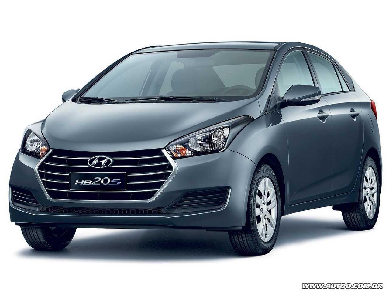HyundaiHB20S 2016 - ângulo frontal