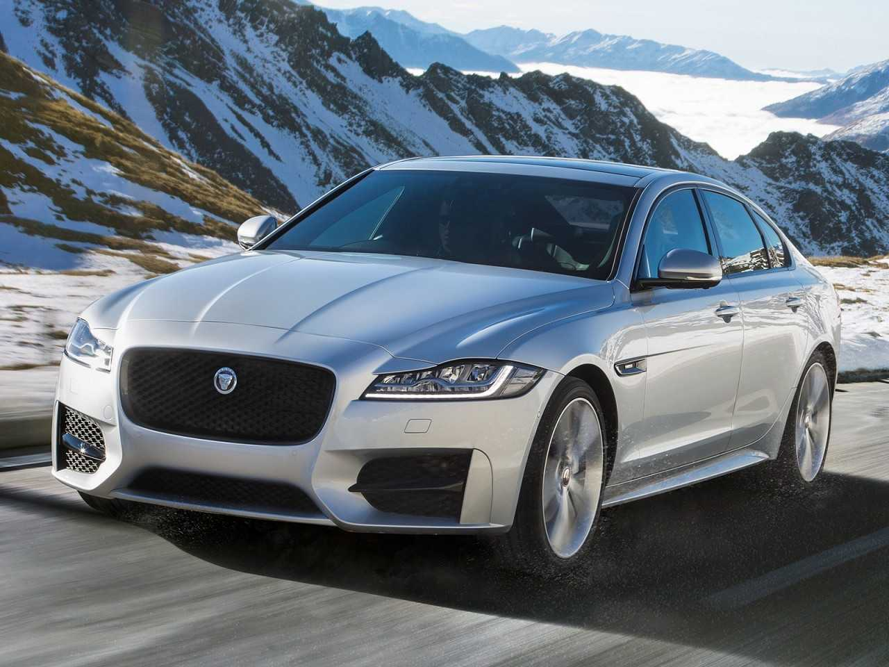 JaguarXF 2016 - ângulo frontal