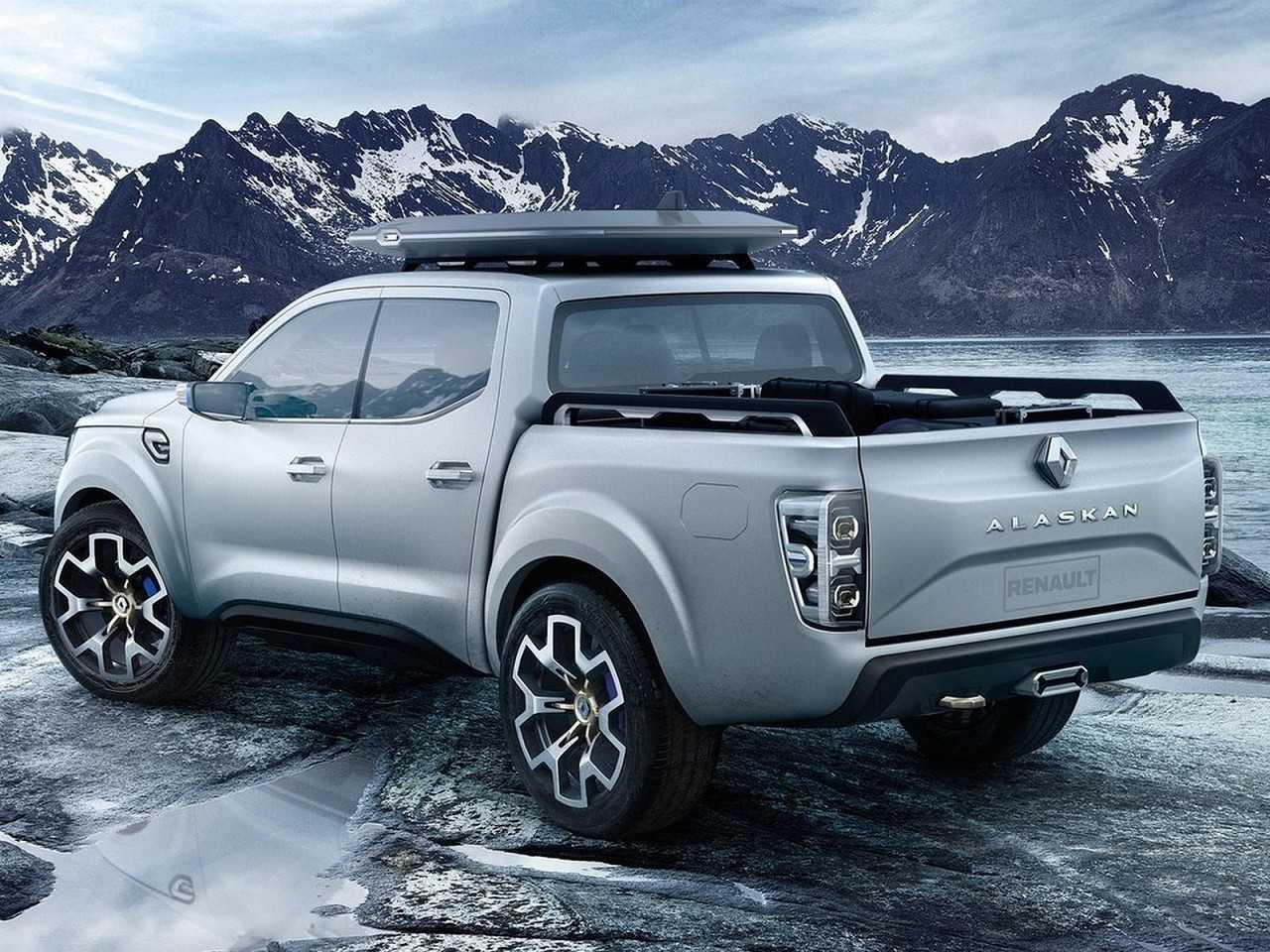 RenaultAlaskan 2016 - ângulo traseiro