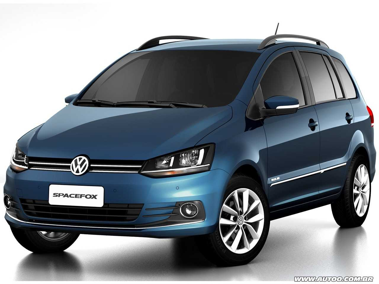 VolkswagenSpaceFox 2016 - ângulo frontal