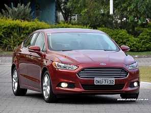 Dúvida em família: Focus Sedan completão ou Fusion?