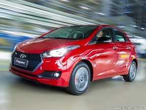 Um Hyundai HB20 1.6 automático Comfort Plus ou um Toyota Etios XLS?