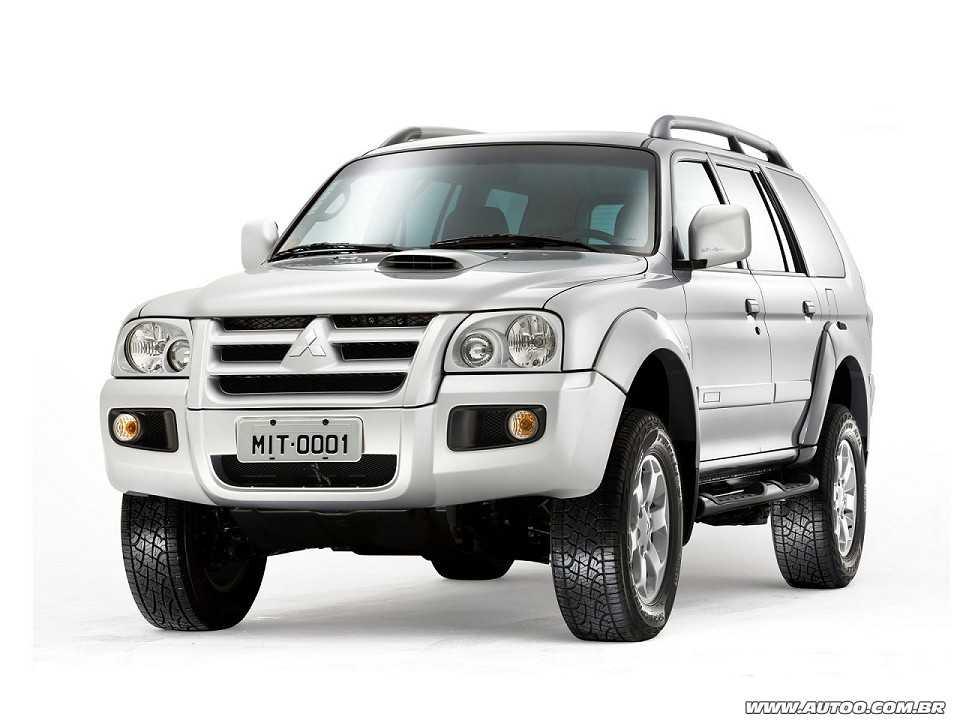 MitsubishiPajero Sport 2011 - ângulo frontal