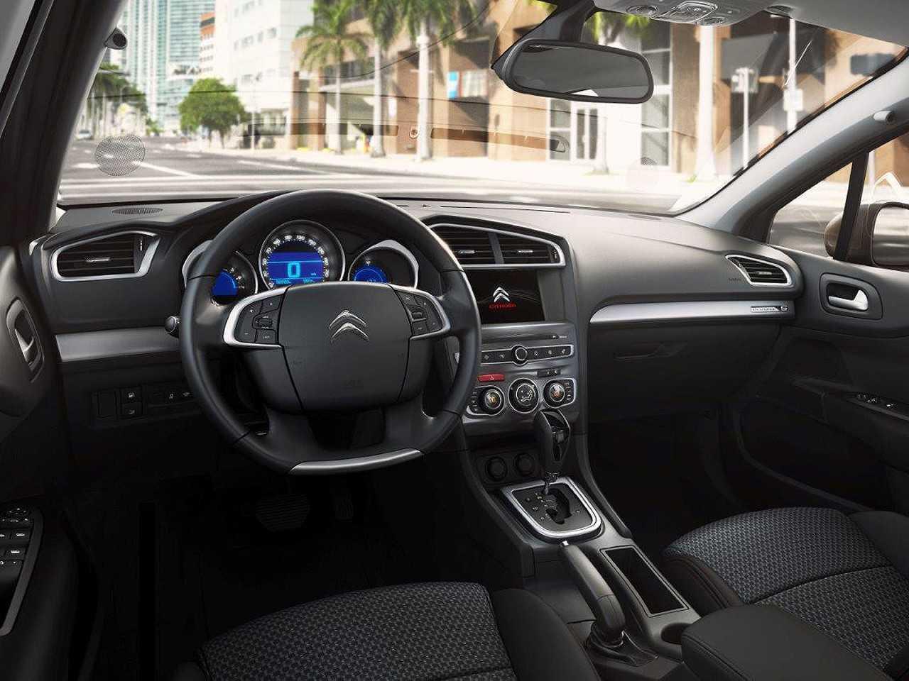 CitroënC4 Lounge 2016 - painel
