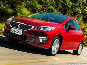 Entre franceses na compra com isenção: Citroën C4 Lounge ou Peugeot 308?