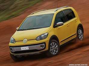 Toyota Etios ou um Volkswagen cross up! TSI?