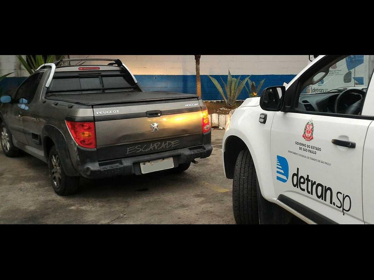 Peugeot Hoggar apreendido com mais de R$ 9 milhões em multas
