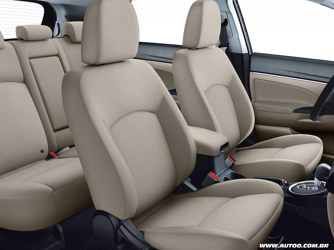 MitsubishiASX 2017 - bancos dianteiros