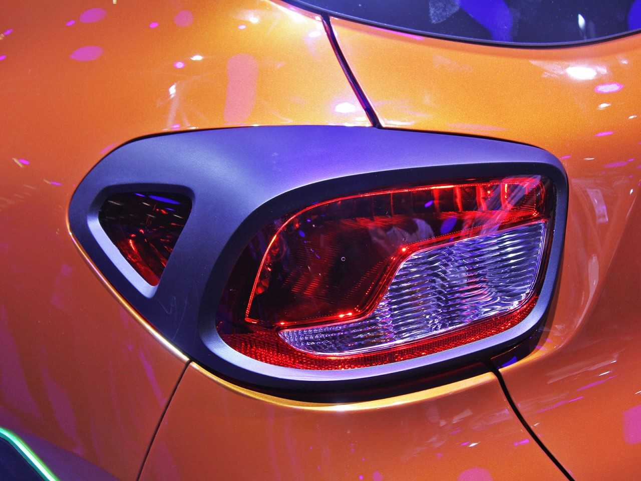 RenaultKwid 2017 - lanternas