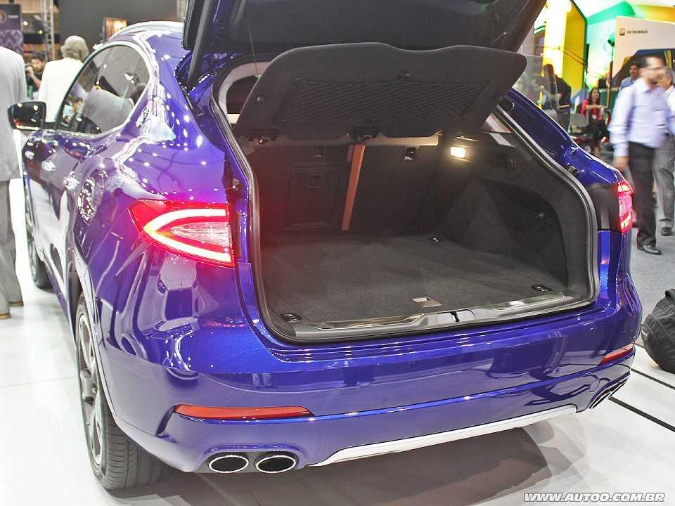 MaseratiLevante 2017 - porta-malas