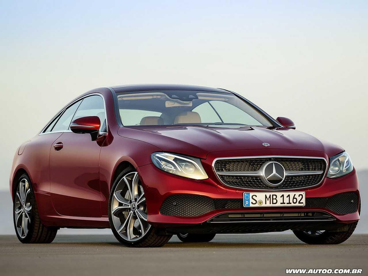 Mercedes-BenzClasse E Coupé 2017 - ângulo frontal