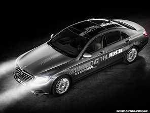 Mercedes promete uma revolução com os novos faróis digitais