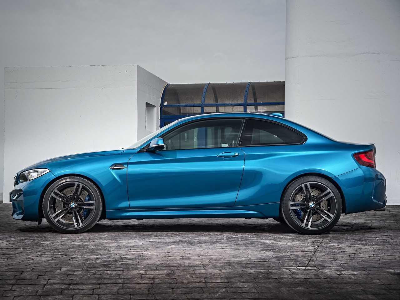 BMWM2 2016 - lateral